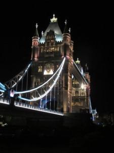 london bridge photo from kissletsathome.com